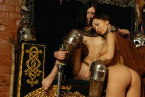 Kuva 4. Viittaa usein käytettiin peittämään varusteita ja vaikeuttamaan iskuja.